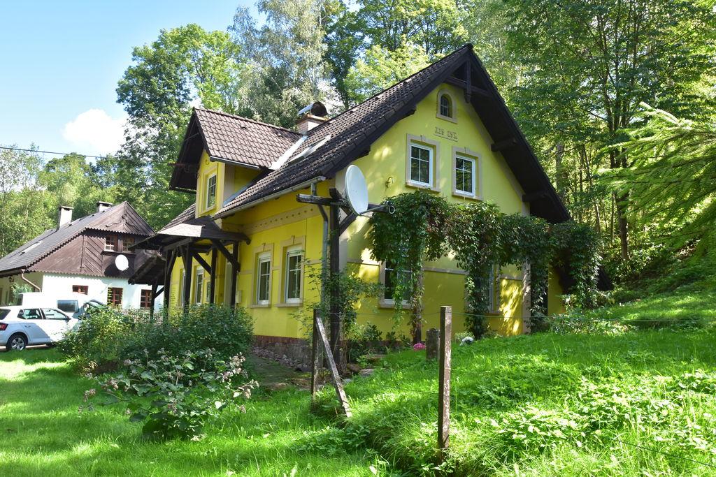 Charmant vakantiehuis in Rudník met een privétuin - Boerderijvakanties.nl