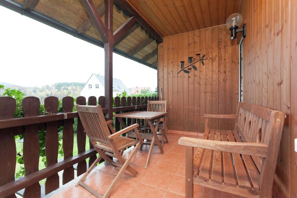 Leuk vakantiehuis met tuin en overdekt terras in Thüringen - Boerderijvakanties.nl