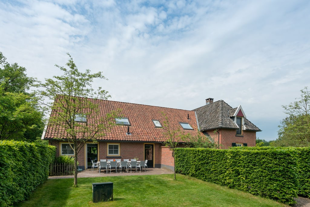 Grote sfeervolle comfortabele vakantiewoning gelegen in mooi coulisselandschap - Boerderijvakanties.nl