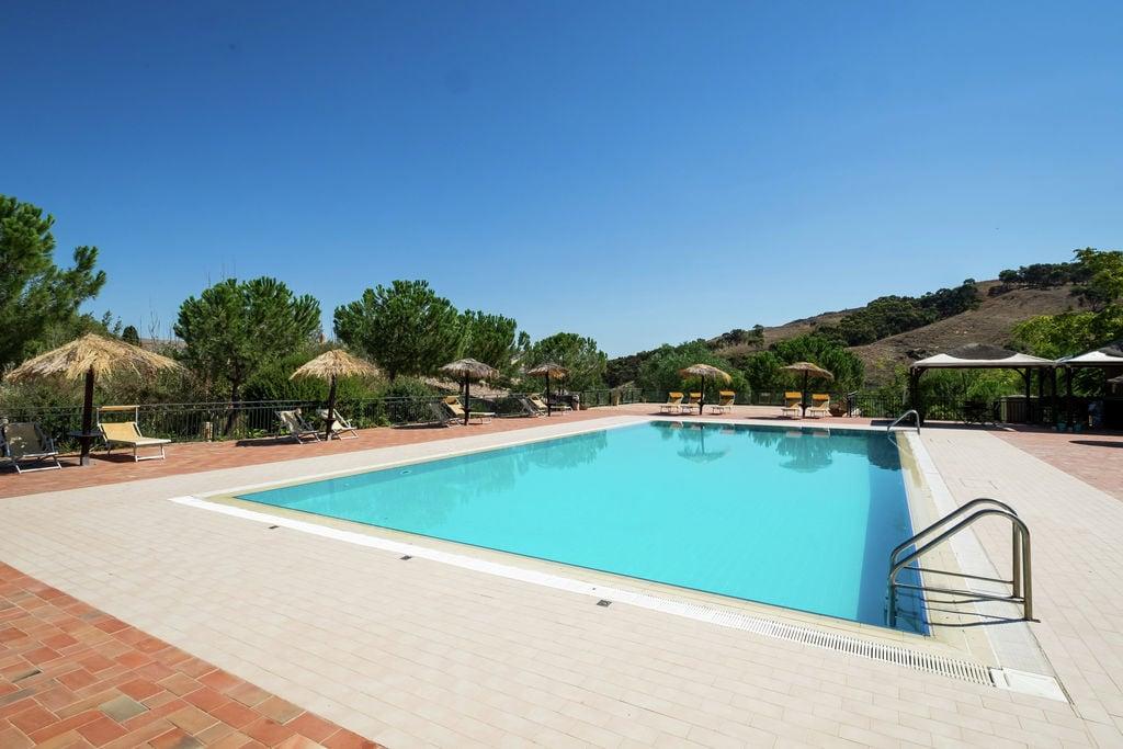 Comfortabele vakantiehoeve met zwembad, jaccuzi en sauna - Boerderijvakanties.nl