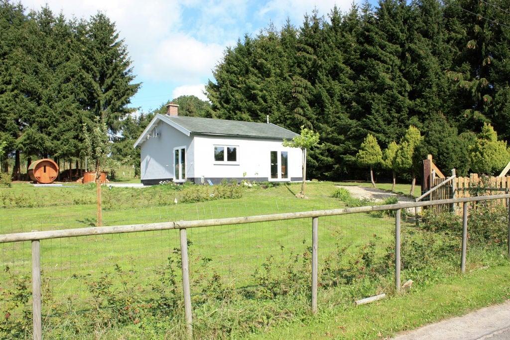 Vrijstaande, moderne bungalow met sauna, hottub en mooie, grote tuin - Boerderijvakanties.nl