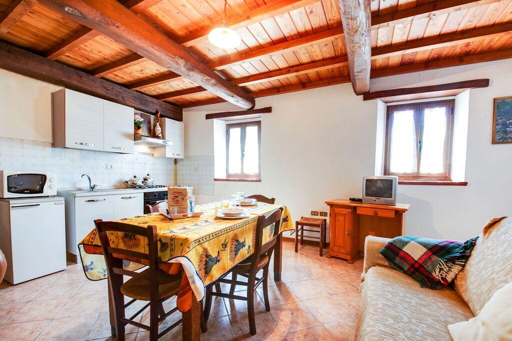Karakteristieke vakantiewoning in Bagni di Lucca met terras - Boerderijvakanties.nl