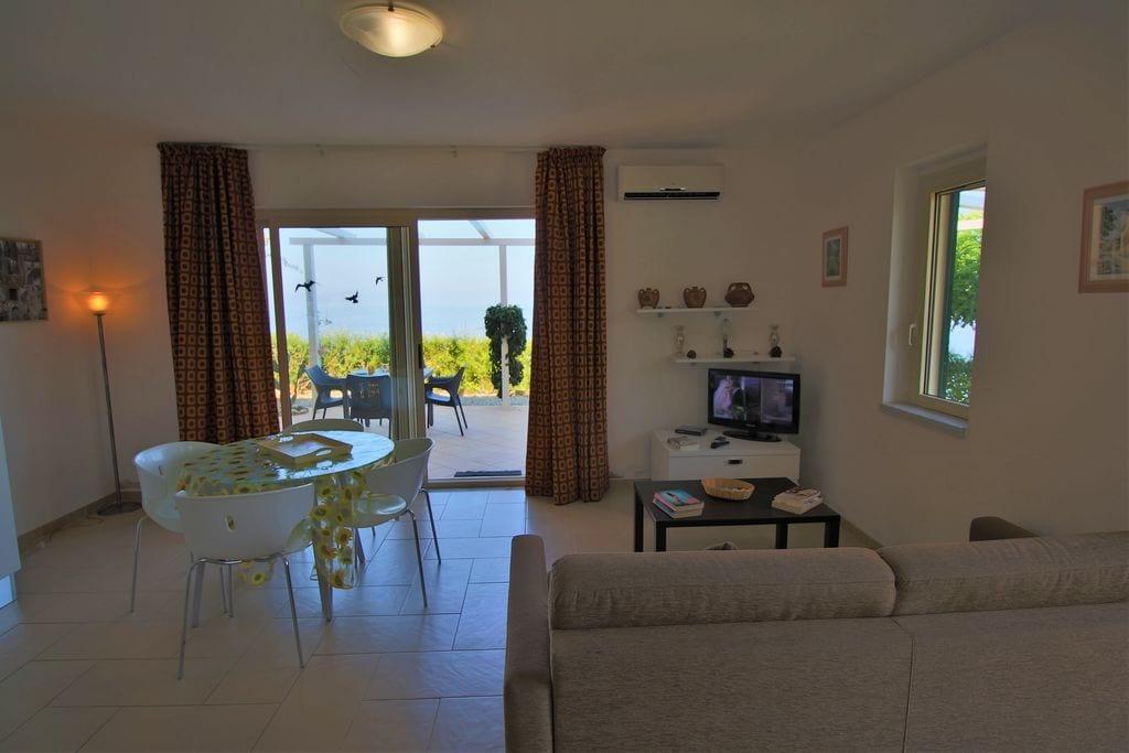 Gezellig appartement in Parghelia met terras - Boerderijvakanties.nl