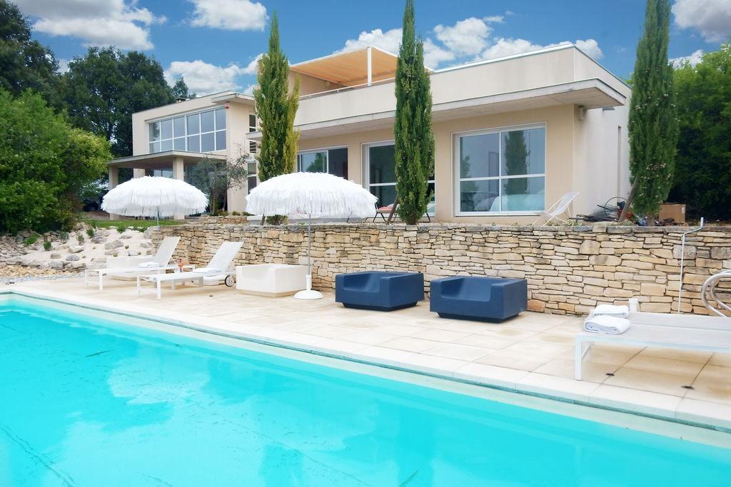 Moderne villa met privé zwembad op prachtige locatie in Ardèche - Boerderijvakanties.nl