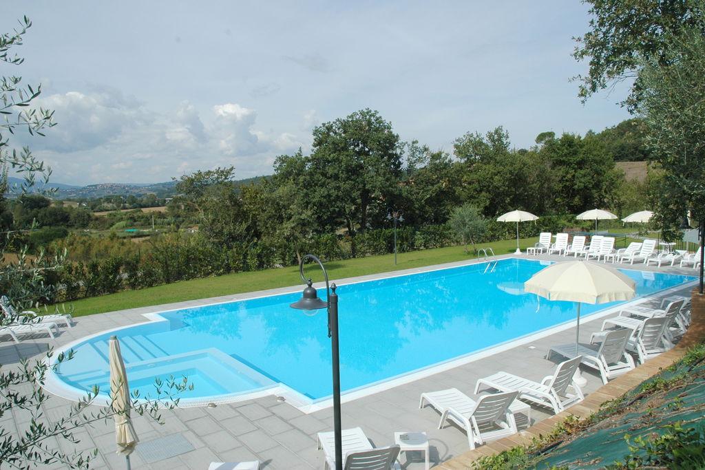 Gezellig appartement in Città della Pieve met zwembad - Boerderijvakanties.nl