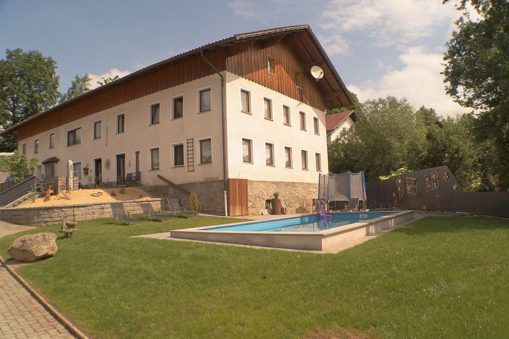 Vakantie in Beieren met een zwembad - Boerderijvakanties.nl