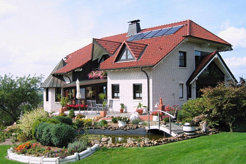 Modern appartement met eigen terras in de buurt van Brilon in het Sauerland - Boerderijvakanties.nl