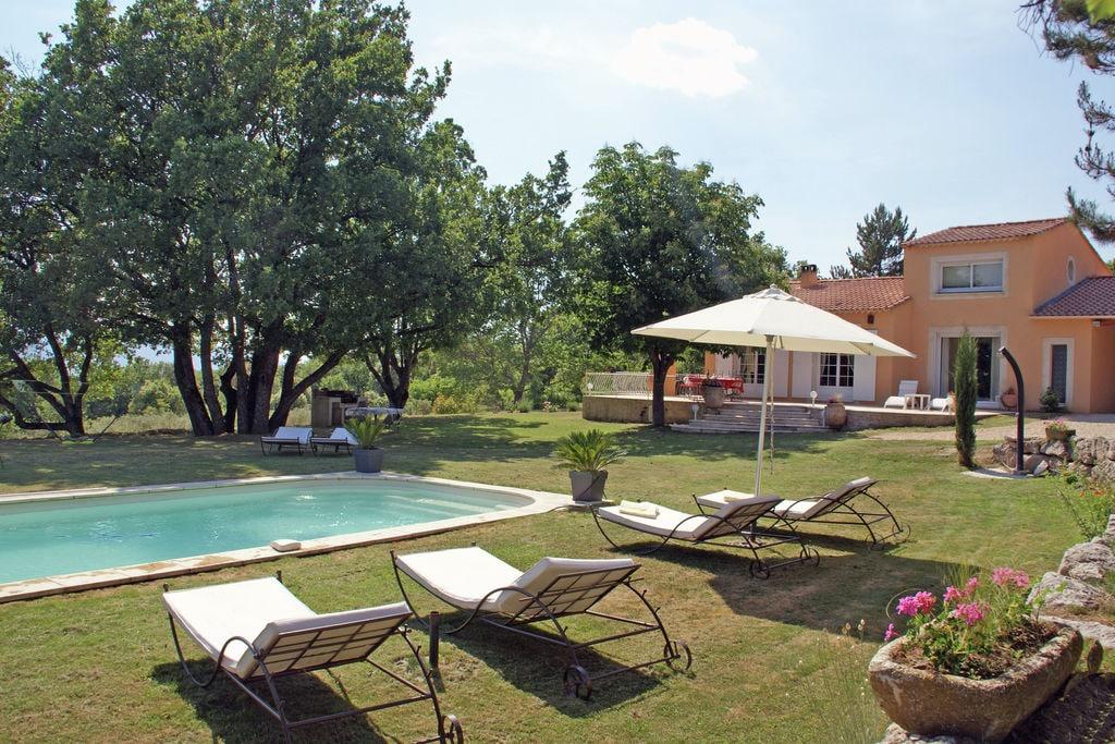 Vakantievilla met omheinde mooie tuin en privézwembad, 1 km van Céreste - Boerderijvakanties.nl