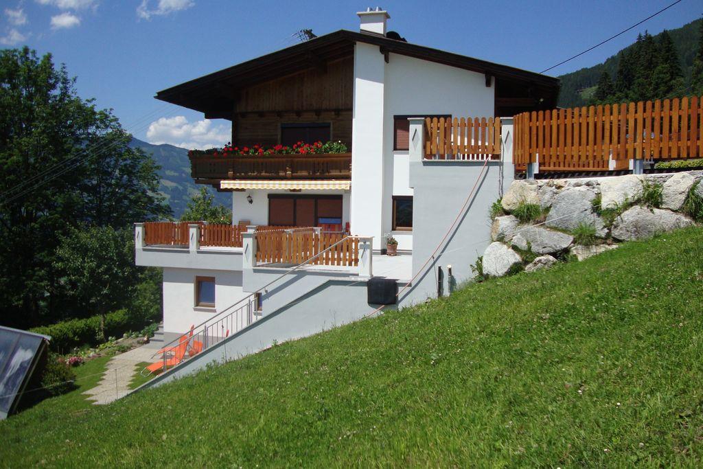 Landelijk appartement in Tirol met een adembenemend uitzicht - Boerderijvakanties.nl