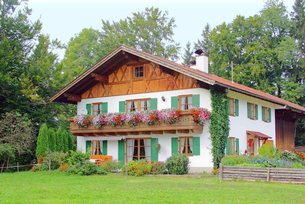 Prettige vakantiewoning in Zugspitze met balkon - Boerderijvakanties.nl