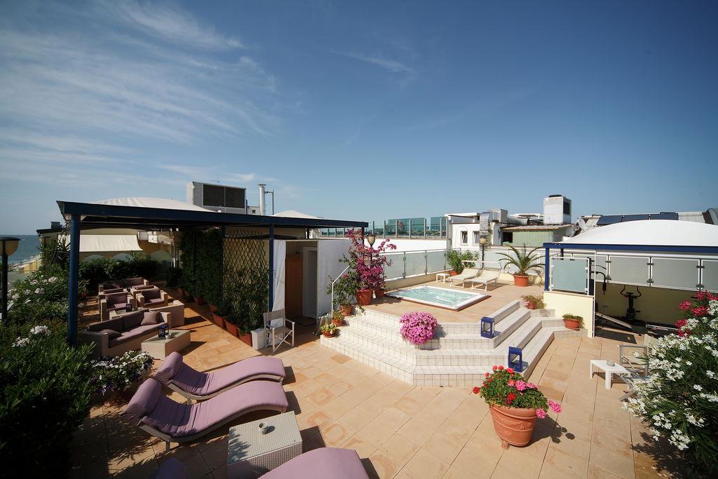 Cattolica- Appartement met zwembad  met wifi te huur