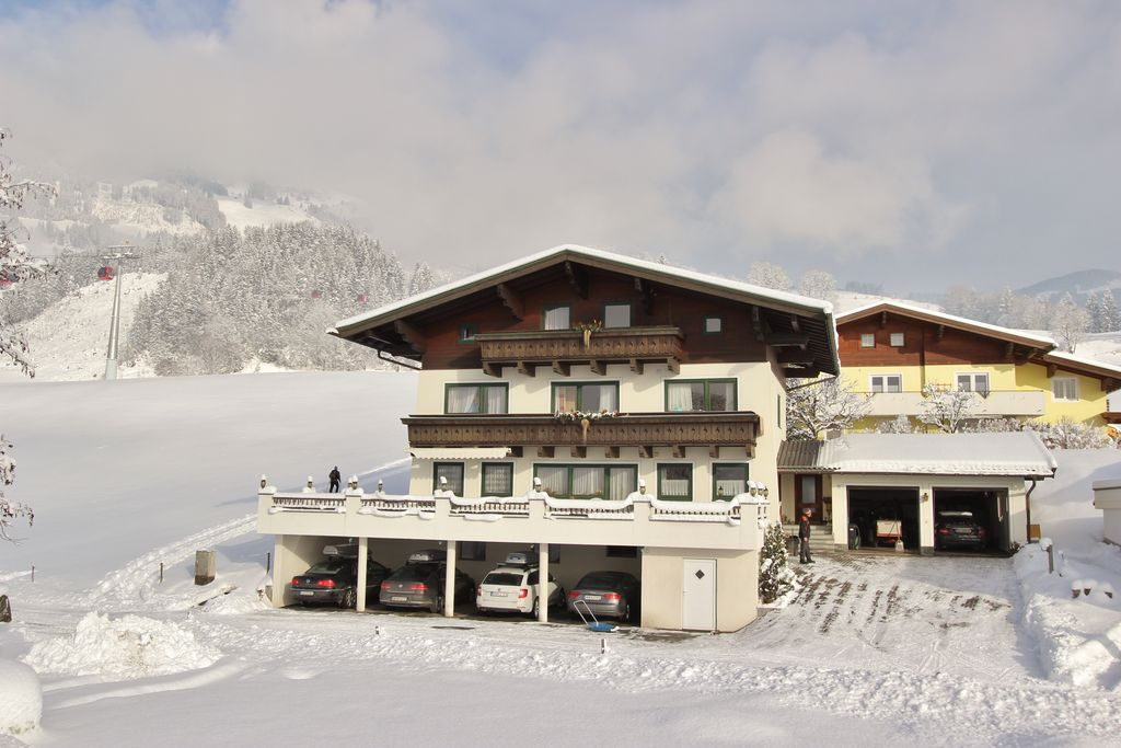 Sfeervol appartement in Salzburgerland direct aan skilift - Boerderijvakanties.nl