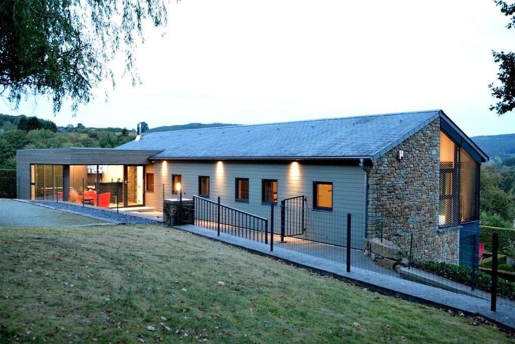 Mooi vakantiehuis in Bellevaux-Ligneuville met privézwembad - Boerderijvakanties.nl