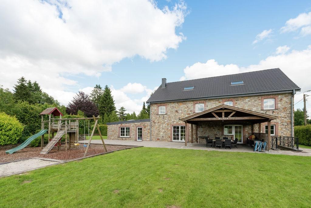 Schitterende villa met binnenzwembad en nog meer, aan de rand van het bos - Boerderijvakanties.nl