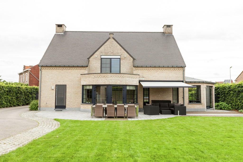 Prachtige villa met sauna en jacuzzi in de streek Haspengouw - Boerderijvakanties.nl