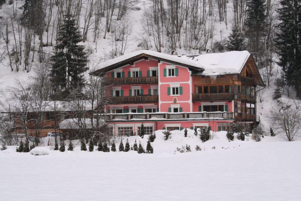 Knus appartement in Reith bei Kitzbühel met een terras - Boerderijvakanties.nl