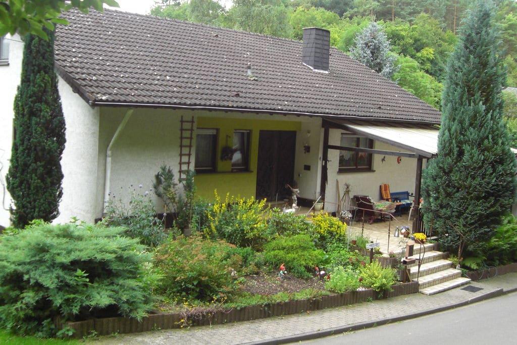Mooie vakantiewoning in de Eifel met een tuin aan de bosrand - Boerderijvakanties.nl