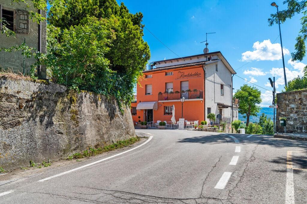 Ruim appartement in Castellarano met prachtig uitzicht - Boerderijvakanties.nl