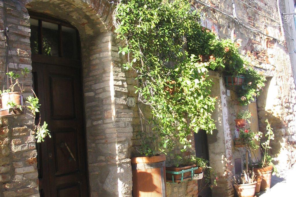 Montecastelli-Pisano- Appartement   met wifi te huur