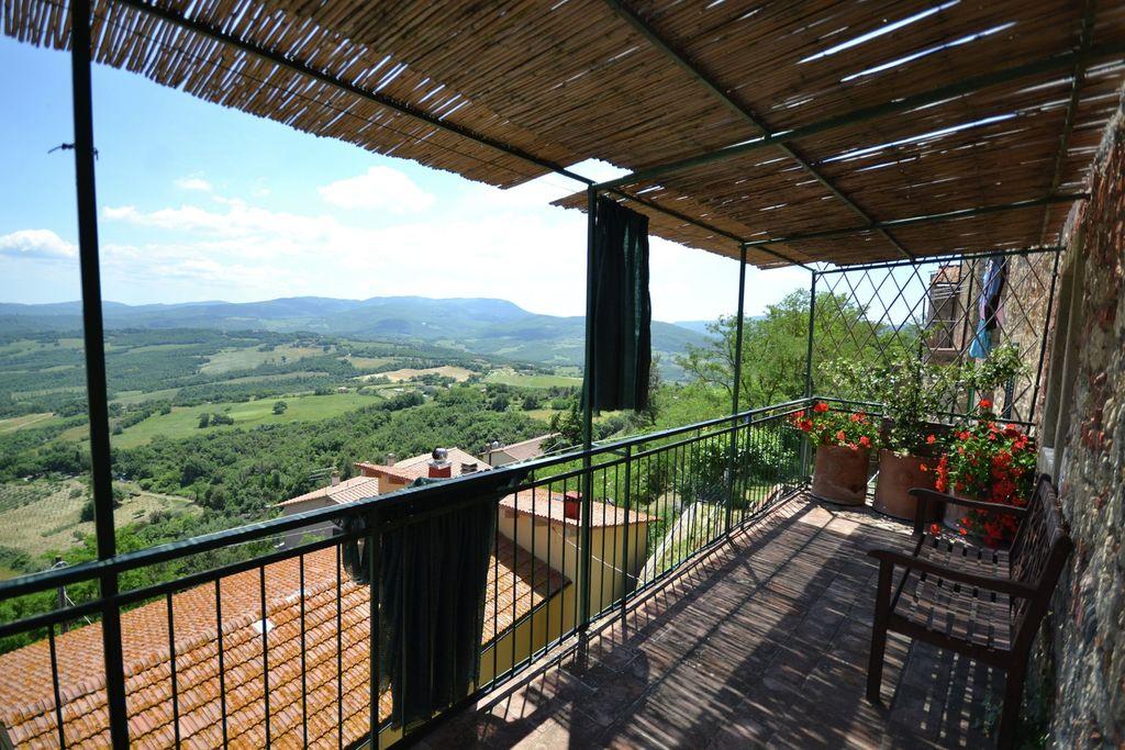 Montecastelli-Pisano- Vakantiewoning   met wifi te huur