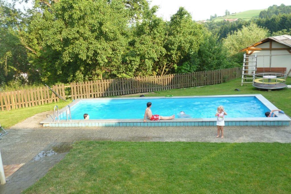 Landelijk appartement in het Beierse Woud met een zwembad - Boerderijvakanties.nl