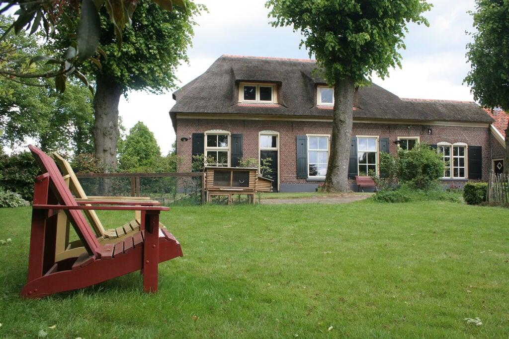 Comfortabele woonboerderij in bosrijke omgeving Luttenberg - Boerderijvakanties.nl