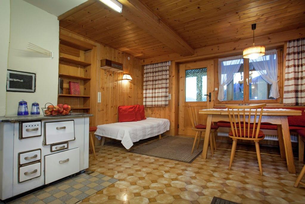Rustig gelegen appartement in Sonntag dicht bij skiliften - Boerderijvakanties.nl
