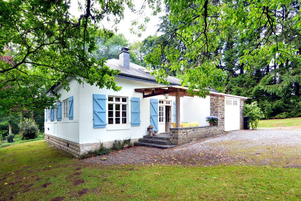 Gezellig ingerichte bungalow met zeer grote omheinde tuin en boomhut - Boerderijvakanties.nl