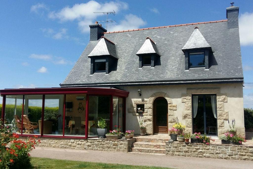 Modern vakantiehuis in Bretagne bij de roze granietkust - Boerderijvakanties.nl
