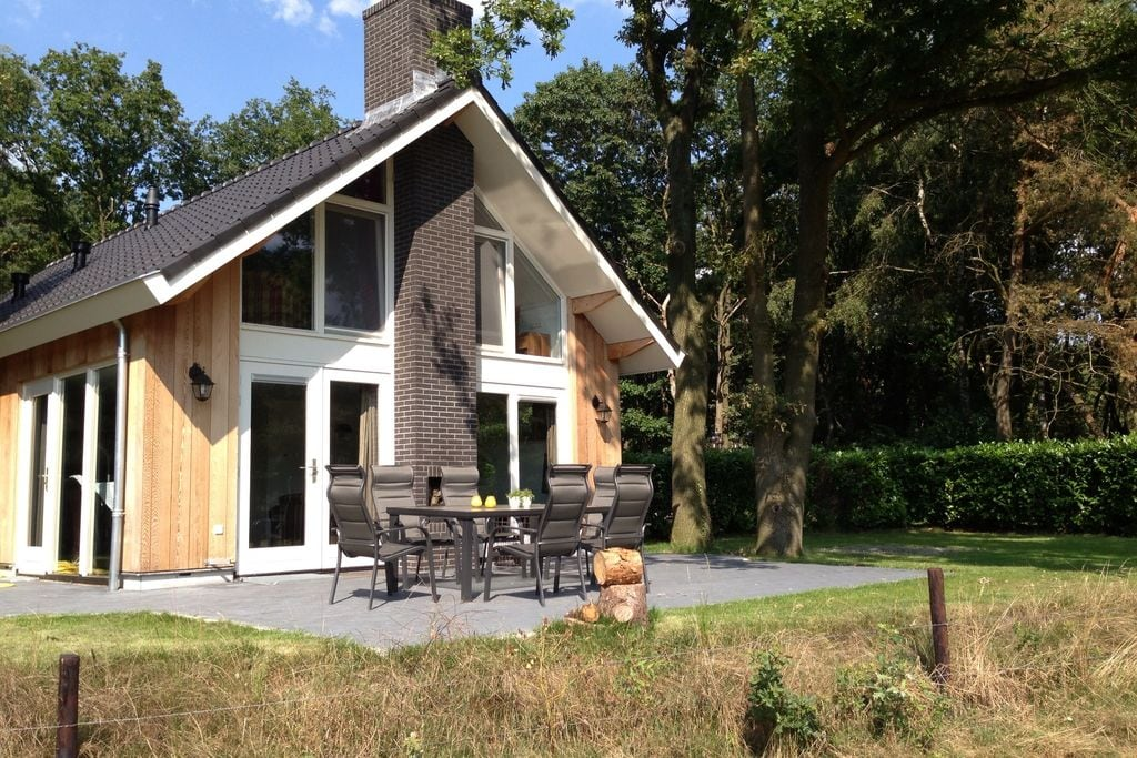 Gezellig chalet met sauna in Reutum - Boerderijvakanties.nl