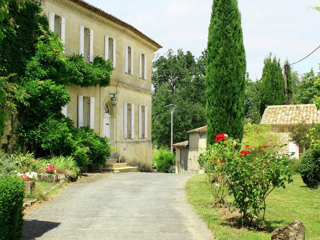 Maison de vacances Maison avec piscine privée dans les vignobles (1404549), Lussac, Gironde, Aquitaine, France, image 25