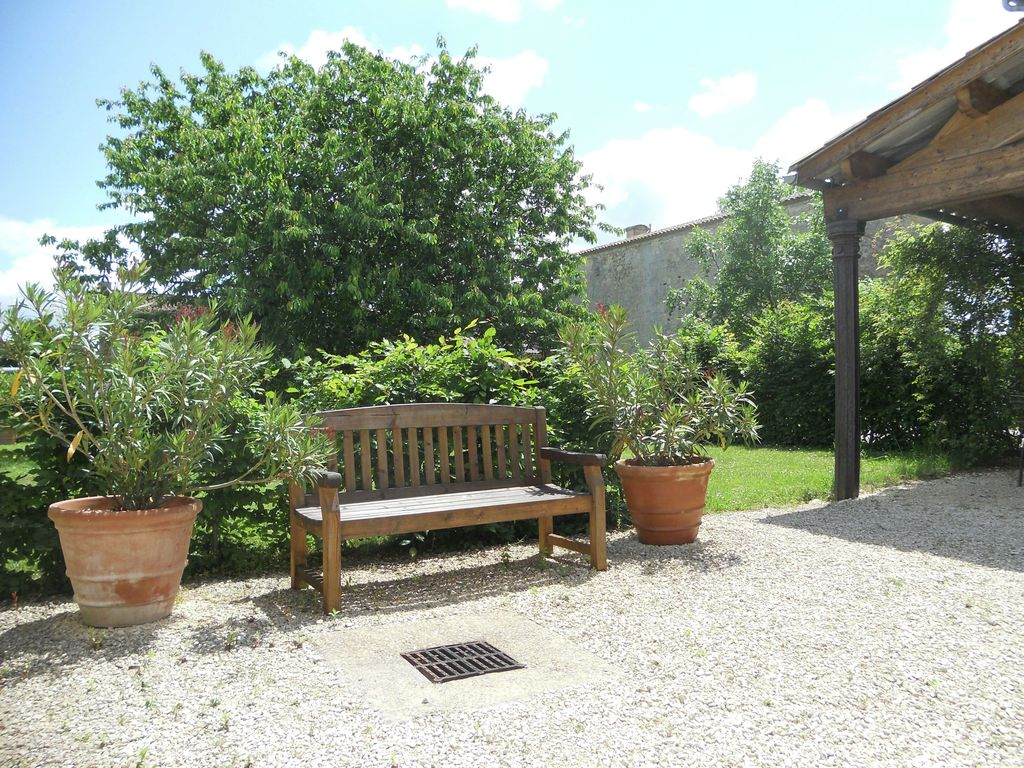 Maison de vacances Maison avec piscine privée dans les vignobles (1404549), Lussac, Gironde, Aquitaine, France, image 23