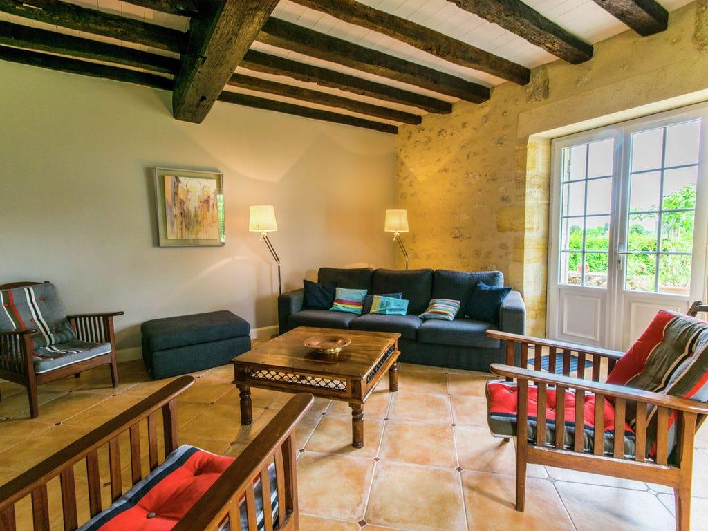 Maison de vacances Maison avec piscine privée dans les vignobles (1404549), Lussac, Gironde, Aquitaine, France, image 6
