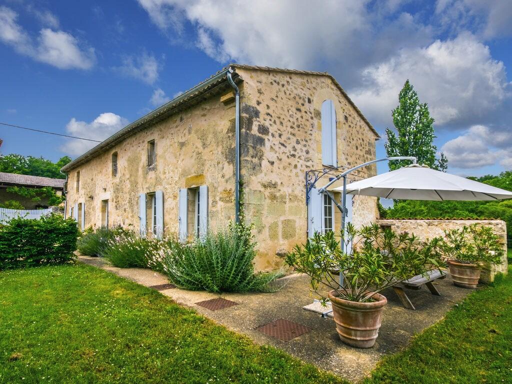 Maison de vacances Maison avec piscine privée dans les vignobles (1404549), Lussac, Gironde, Aquitaine, France, image 2