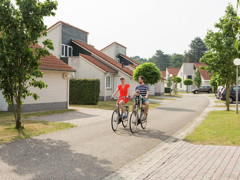 Ferienhaus Gemütliches Holzchalet mit Geschirrspüler in autofreier Zone (703259), Arcen, Noord-Limburg, Limburg (NL), Niederlande, Bild 9