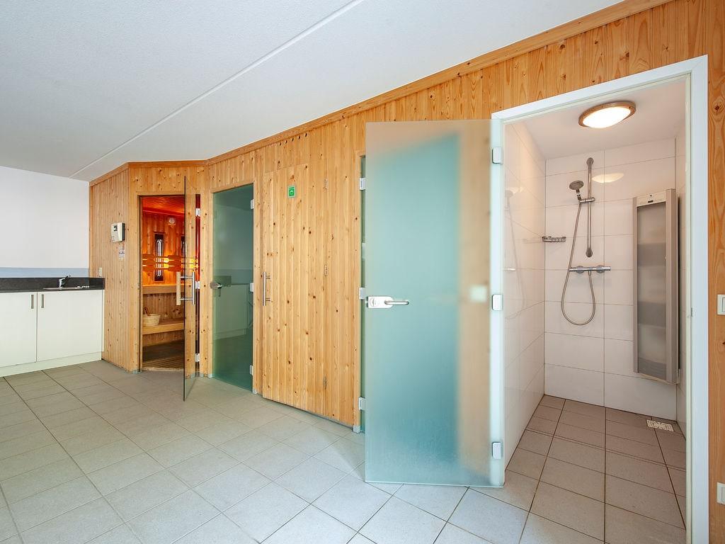 Ferienhaus Luxuriöse Villa mit Indoorpool und Sunshower (707233), Arcen, Noord-Limburg, Limburg (NL), Niederlande, Bild 11