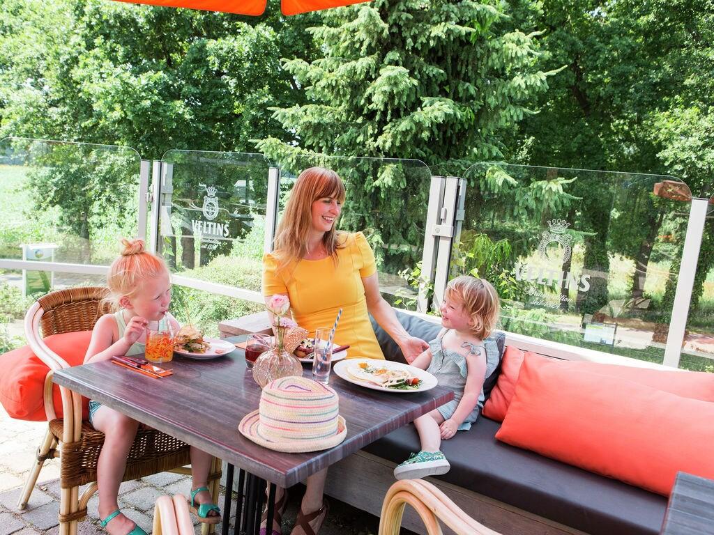 Ferienhaus Luxuriöse Villa im Grünen mit Wagen und Whirlpool (707209), Arcen, Noord-Limburg, Limburg (NL), Niederlande, Bild 13