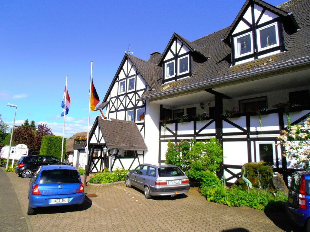 Sauerland-Blick Ferienwohnung  Bestwig