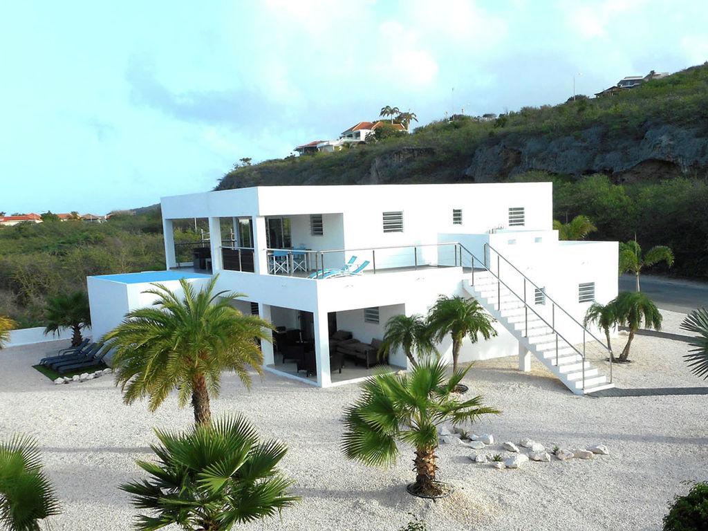 Modern Coral Estate Ferienhaus in Mittelamerika und Karibik
