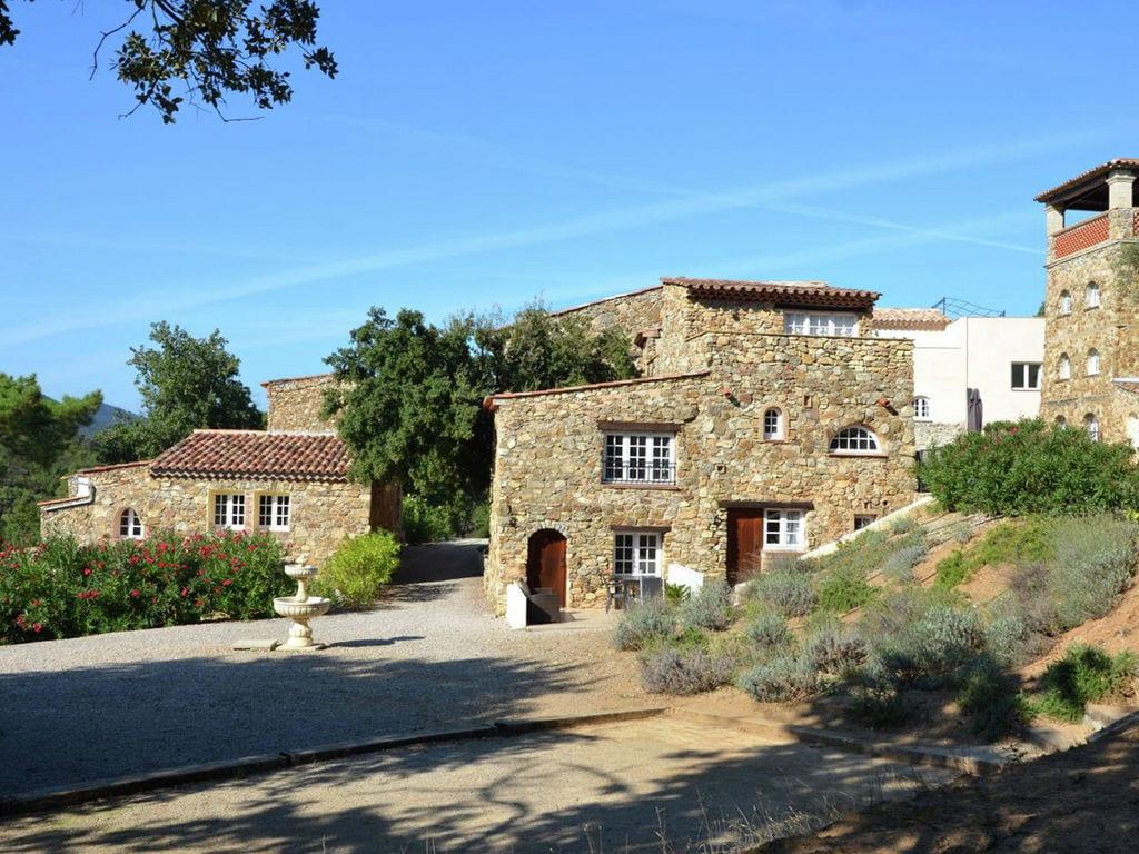 Ferienhaus Denkmalgeschütztes Ferienhaus in Le Plan-de-la-Tour mit Pool (968764), Sainte Maxime, Côte d'Azur, Provence - Alpen - Côte d'Azur, Frankreich, Bild 21