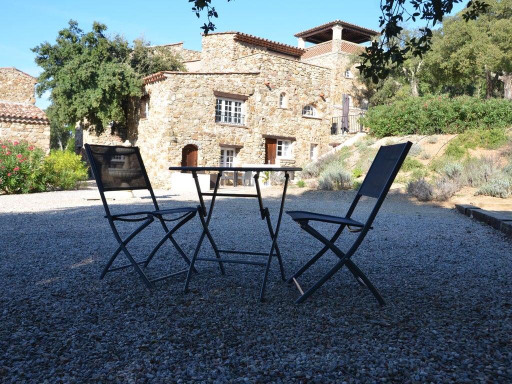 Ferienhaus Modernes Haus mit Terrasse, nahe dem beliebten St. Maxime (981964), Sainte Maxime, Côte d'Azur, Provence - Alpen - Côte d'Azur, Frankreich, Bild 40