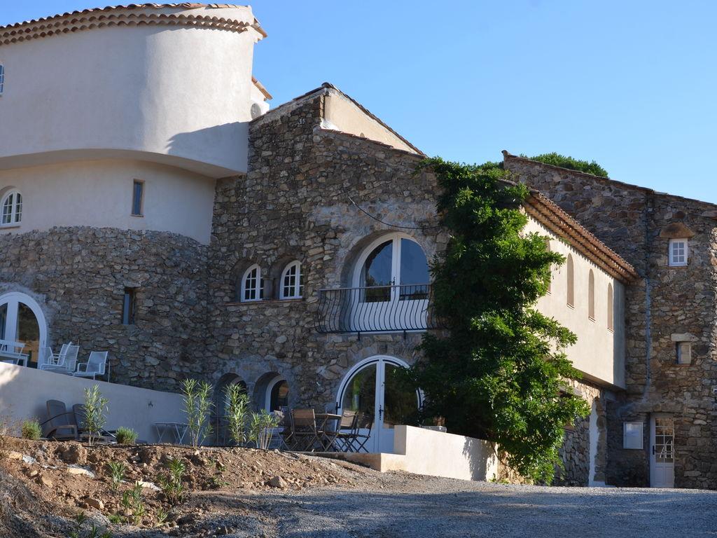 Ferienhaus Modernes Haus mit Terrasse, nahe dem beliebten St. Maxime (981964), Sainte Maxime, Côte d'Azur, Provence - Alpen - Côte d'Azur, Frankreich, Bild 2