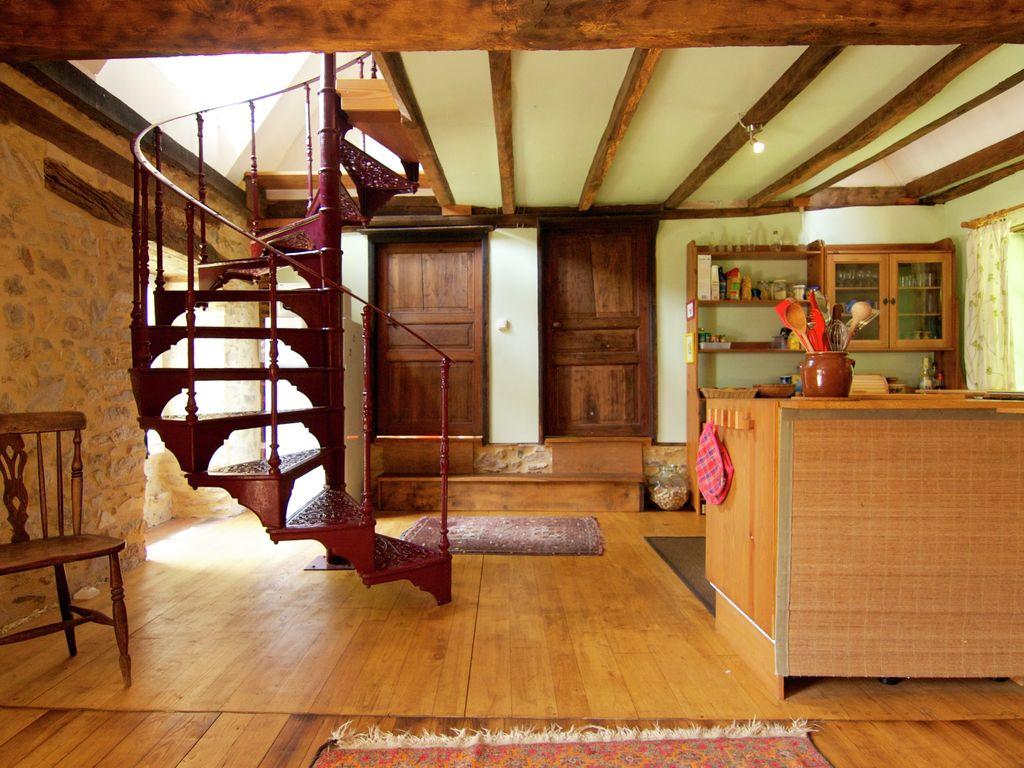Ferienhaus Malerisches Ferienhaus in Juillac mit privatem Garten (1082951), Juillac, Corrèze, Limousin, Frankreich, Bild 11