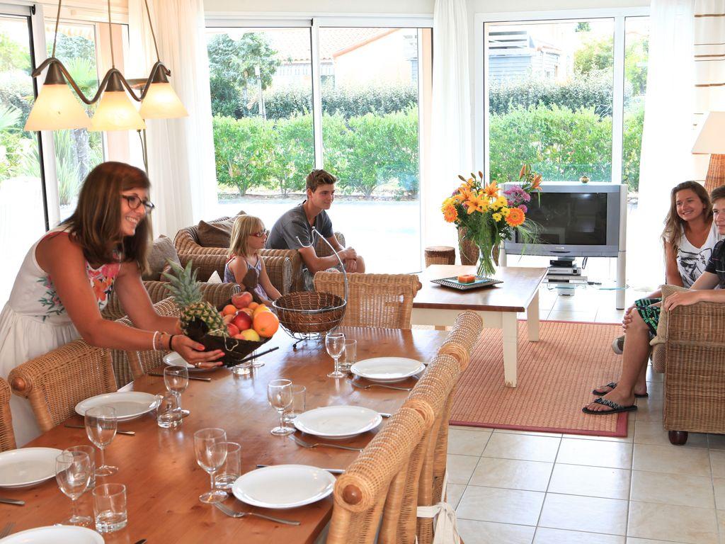 Ferienhaus Luxuriöse Villa mit Geschirrspüler, nur 800 m zum Meer (1029731), Château d'olonne, Atlantikküste Vendée, Pays de la Loire, Frankreich, Bild 10