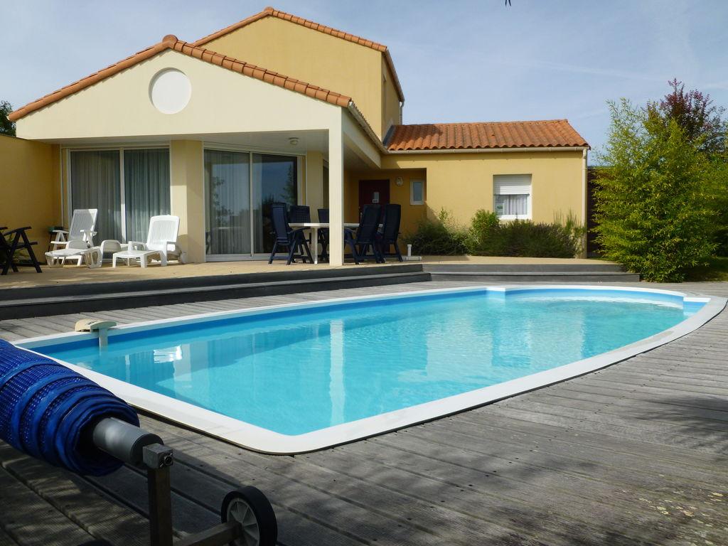 Ferienhaus Luxuriöse Villa mit Geschirrspüler, nur 800 m zum Meer (1029731), Château d'olonne, Atlantikküste Vendée, Pays de la Loire, Frankreich, Bild 9