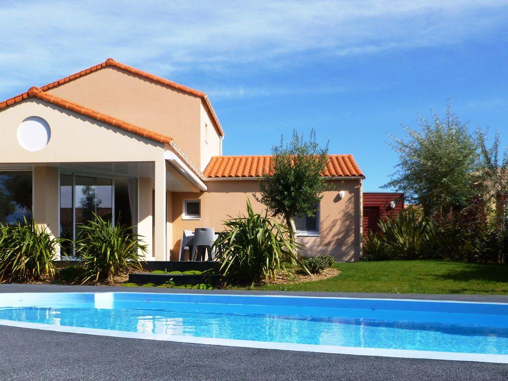 Ferienhaus Luxuriöse Villa mit Geschirrspüler, nur 800 m zum Meer (1029731), Château d'olonne, Atlantikküste Vendée, Pays de la Loire, Frankreich, Bild 4