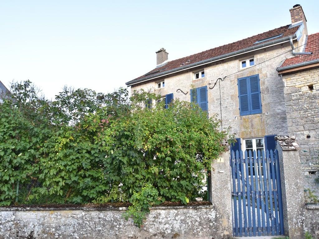 Ferienhaus Geräumiges Ferienhaus am Fluss in Channay (1379441), Laignes, Côte d'Or, Burgund, Frankreich, Bild 4