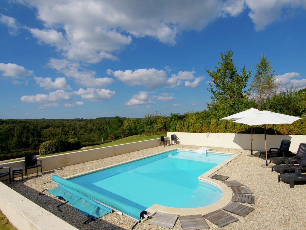 Ferienhaus Luxuriöse Villa in Rouzède mit privatem Pool (1443073), Montbron, Charente, Poitou-Charentes, Frankreich, Bild 1