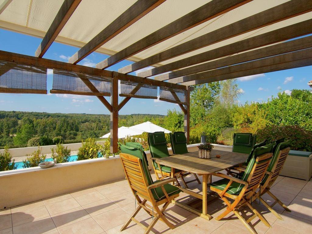 Ferienhaus Luxuriöse Villa in Rouzède mit privatem Pool (1443073), Montbron, Charente, Poitou-Charentes, Frankreich, Bild 22