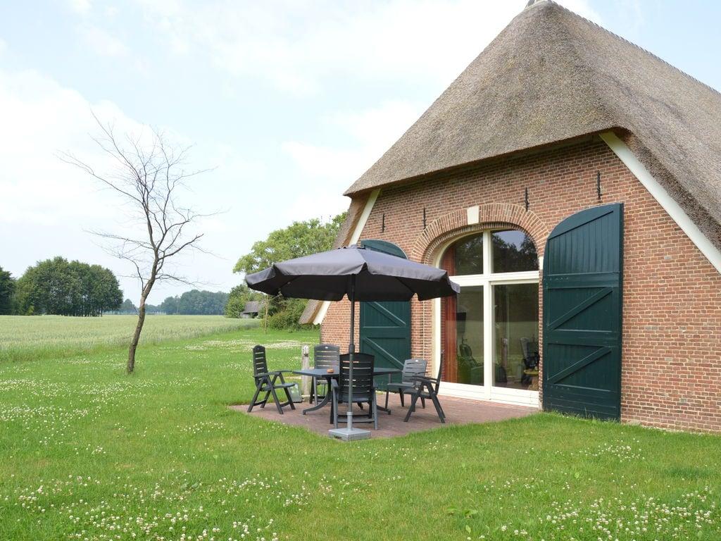 Ferienhaus Exquisites Ferienhaus in Geesteren mit Terrasse (1038717), Kulsdom, Achterhoek, Gelderland, Niederlande, Bild 2